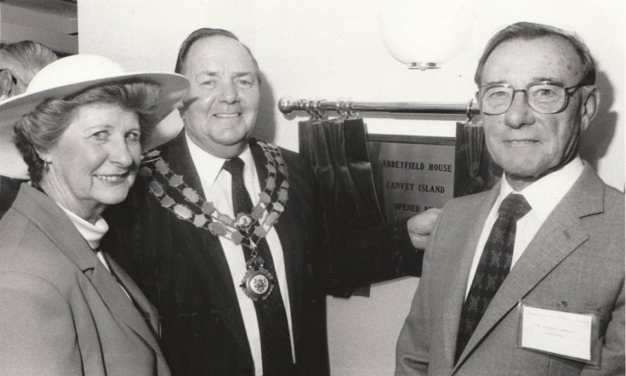 l-r Kathleen Sweeting, Chairman of Castle Point Council Ron Sweeting and Chairman of Abbeyfield Canvey Stanley Watkins | Echo Newspaper Group