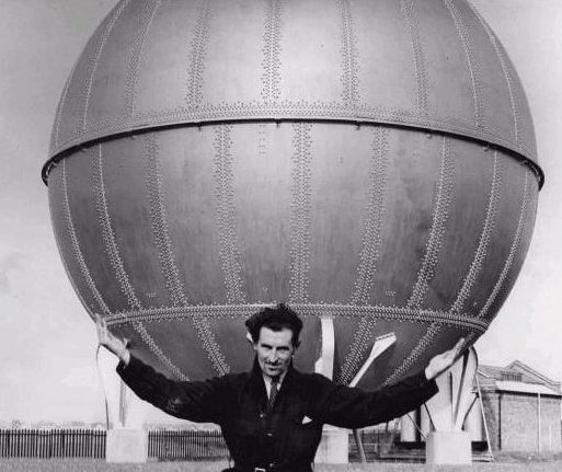 Apparently this was a Hortonsphere pressure vessel   photo taken c1935