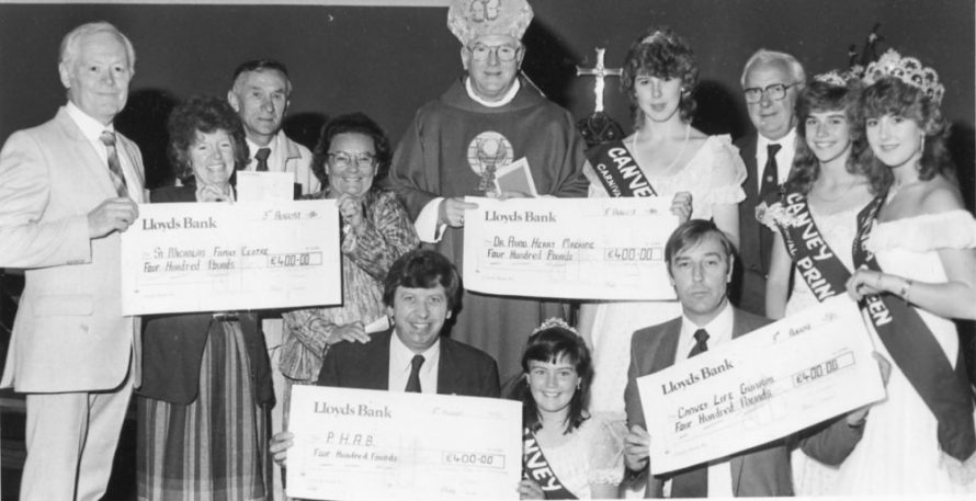 Cheque Presentation 1986 | Echo Newspaper Archive