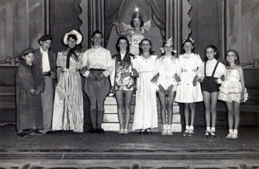 Boy babe - Ann Buckingham, Girl babe - Janet Wiseman Baron Hardup - Alan Woodhouse, Baroness ? - Talbot Wiseman, Fairy Godmother - Doris Ratcliffe   Irene Bailey