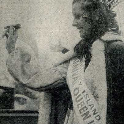 Canvey's Carnival Queen throws a nifty dart