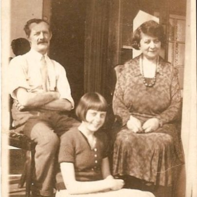 Mum with her parents 1939 | Moireen Murrell