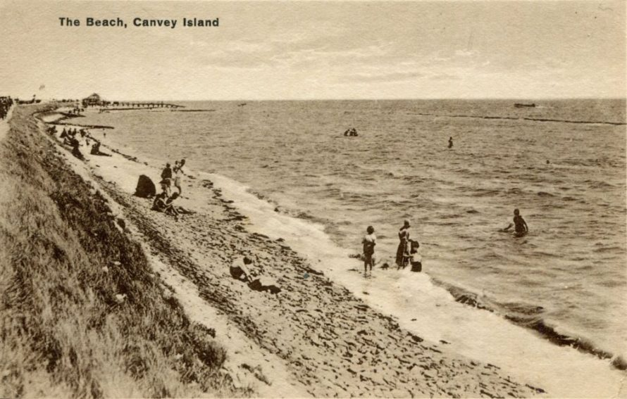 The beach looking tpowards the Beach House jetty. Date Unknown