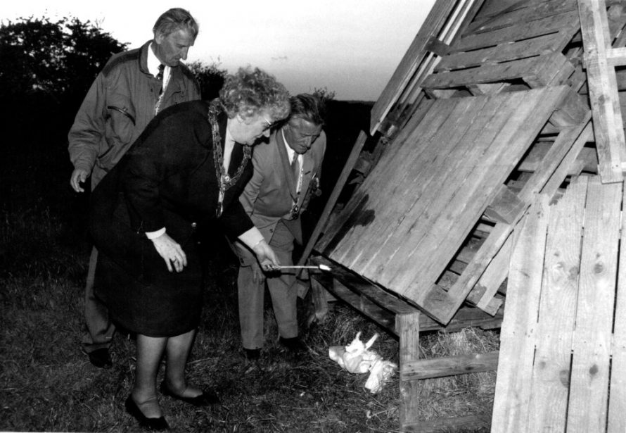 Mayor Peggy Grant lighting the beacon for VE Day 1995 | Echo Newspaper Group