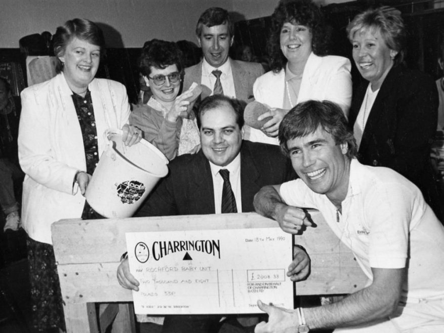 Good Grief its a Cheque Presentation | Echo Newspaper Archive