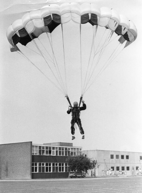 Eagle Parascending Club | Echo Newspaper Group