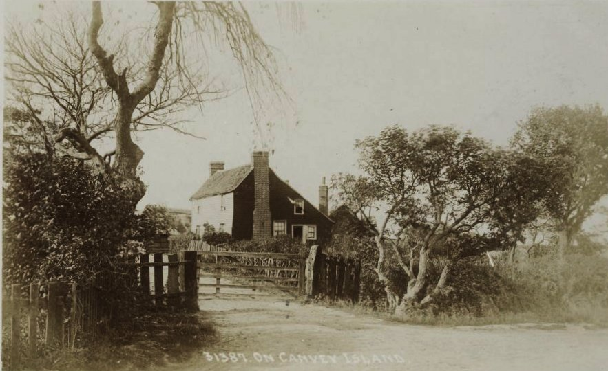 A rare picture of Hill Hall Farm Date unknown but probably early 1900s
