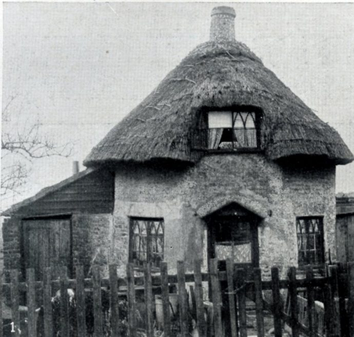 Round Dutch Cottage with Chimney in the Middle (1618 Dutch Cottage) | C.H.Avery