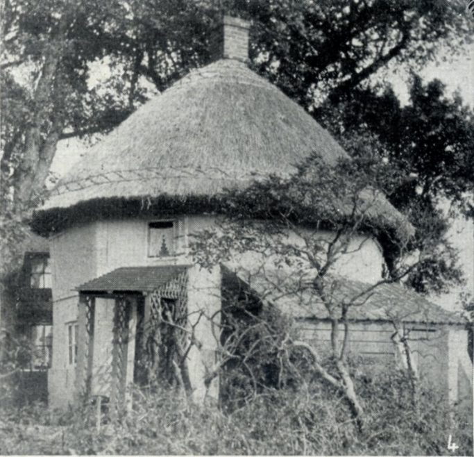 Dutch Cottage nearly three centuries old (1621 Dutch Cottage) | C.H.Avery
