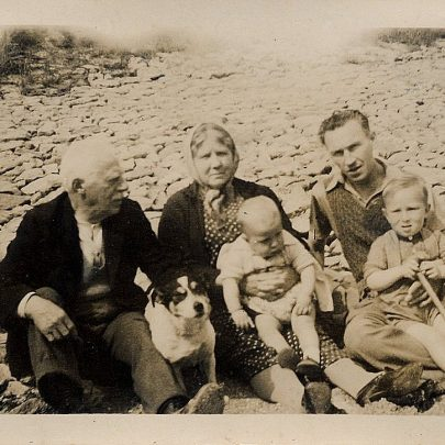 Canvey Beach Old Paddling Pool. Jo and Clara Holt, Fred Parks, sons Bob and Tom, dog Peter. | Marjorie Parks