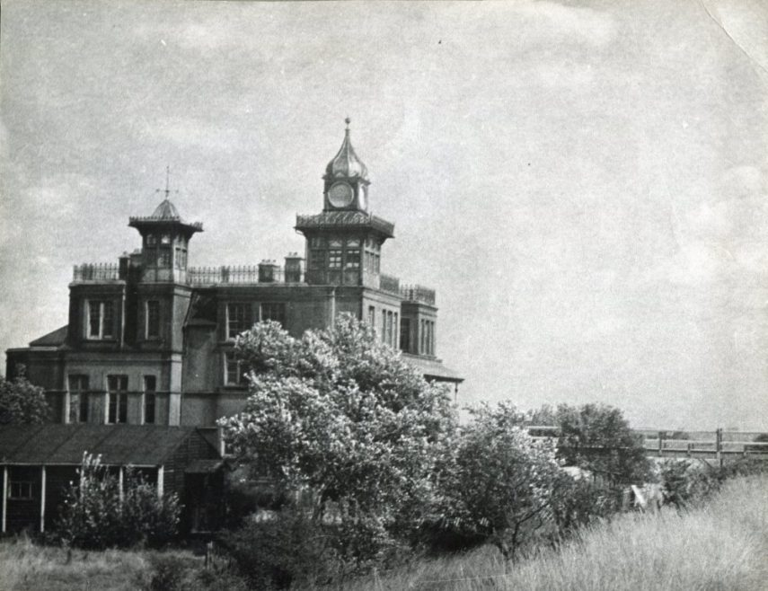 Reed's picture of Hotel Kynoch looking East | H Reed