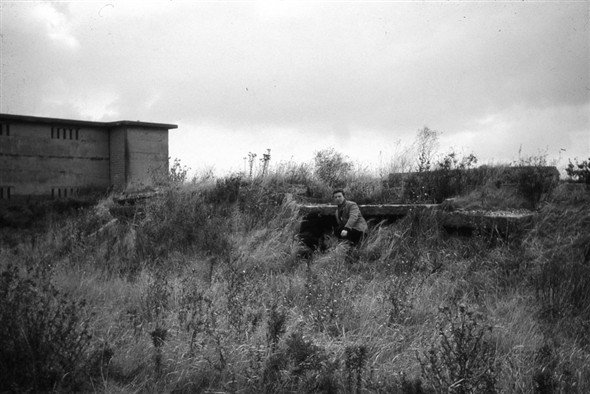 Photo taken of the Red Hill near the Gas Works. Is this Hut one site of Trenches C2A/B & E? | Norman Chisman