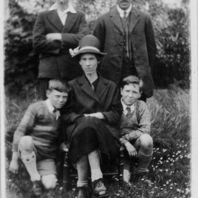 Ollie, Mattie and Family c1930's | Graham Stevens