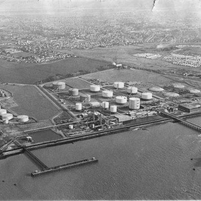 1978 One Kilometre Dangerline. Methane gas tanks on right | Echo Newspaper Archive
