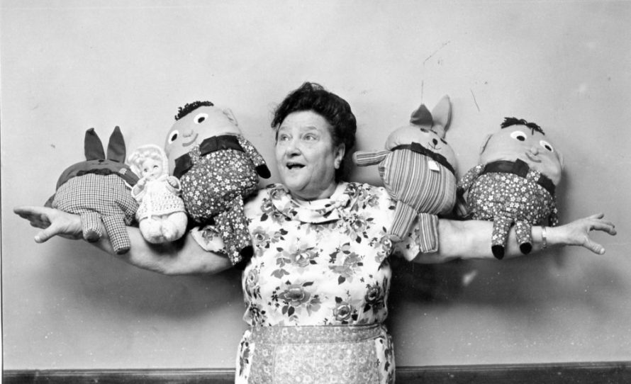 Dot Shaw and the Gonks | Echo Newspaper Archive