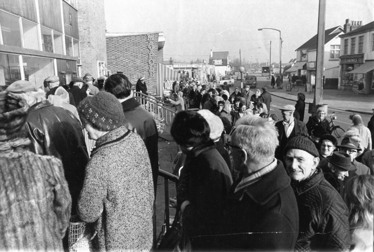 Pensioners queuing for their pensions | Echo newspaper group and the Rayleigh Town Museum