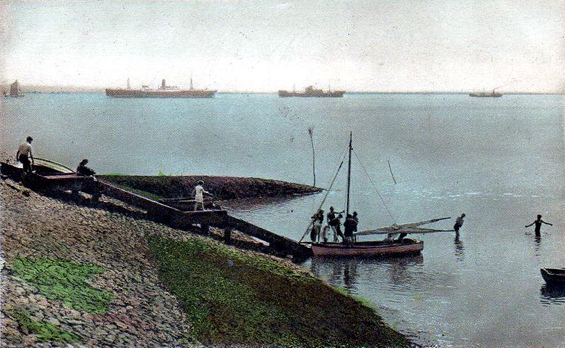 Photochrom Postcard of Hole Haven