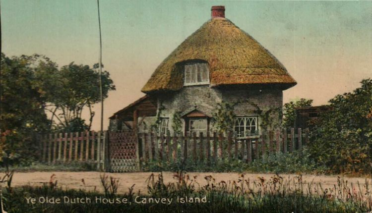 Dutch Cottage 1618 | Roger Thipthorp collection