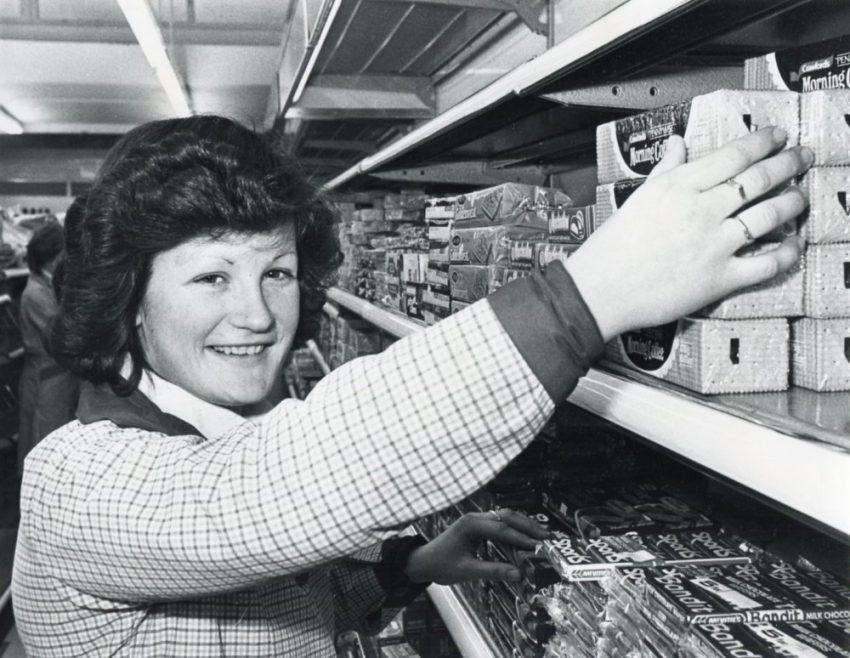 Lipton's Manageress 1980 | Echo Newspaper Archive