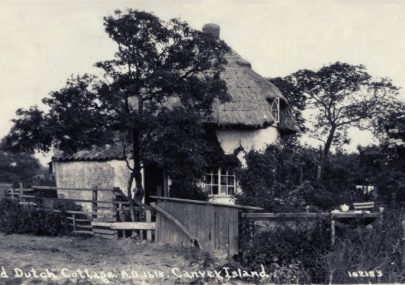1618 Dutch Cottage Postcard