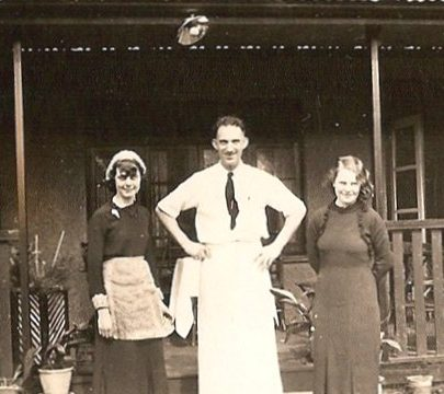 Outside cox's hotel.  Mum on left, chef Tom Centre, other waitress Pat on right | Moireen Murrell