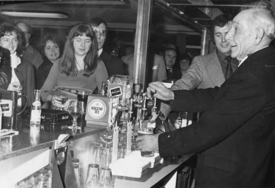 Pulling a Pint | Echo Newspaper Archive