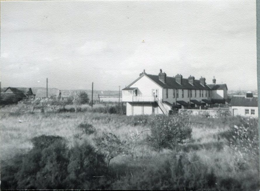 Cottages with Sluice Farm on the left | H Reed