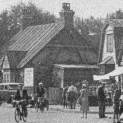 Do you remember these in Furtherwick Road? Strutts Corner