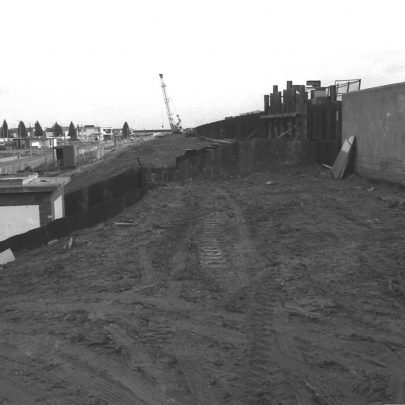 Looking east towards Seaview Road - that's the sluice by Kismet Park - you can see the circular toilets at the top of seaview since demolished.