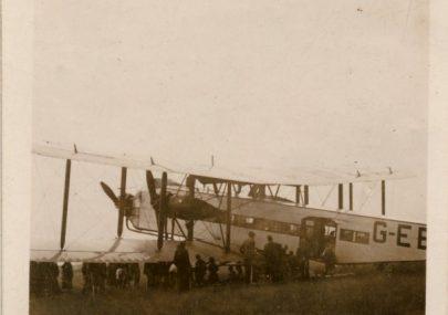 Large Bi-plane stranded near Furtherwick Farm