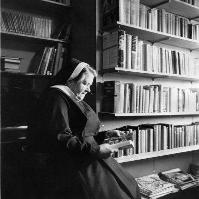 Sister Theresa in the library. | Echo newspaper group and the Rayleigh Town Museum