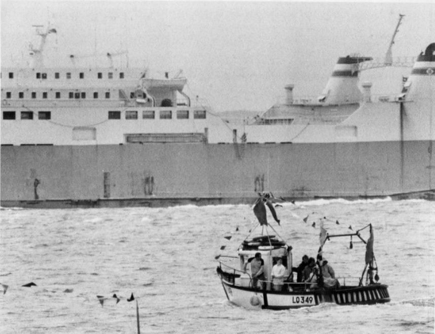 Dwarfed by Giant Ship | Echo Newspaper Group