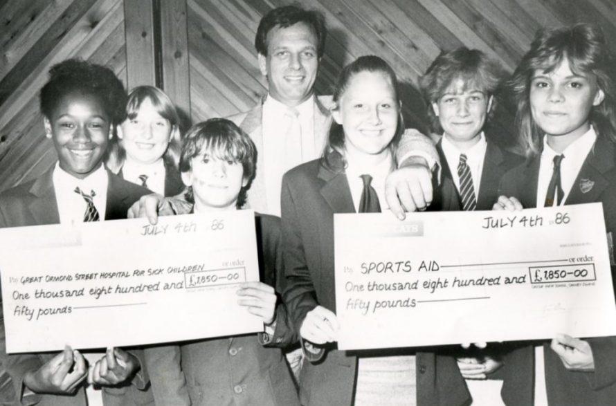 Cheque Presentation 1986 | Echo Newspaper Archive