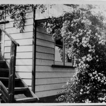 The side of 'Tarry a while' showing the stairs to the upper rooms | Marjorie Parks