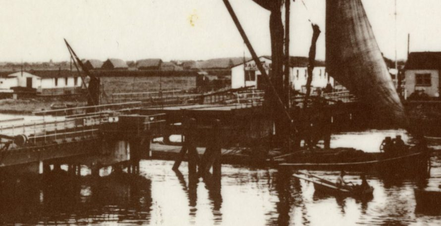 A houseboat to the left, Waterside farm in the middle (are those haystacks/barns?) and Dauntless Boatyard to the right