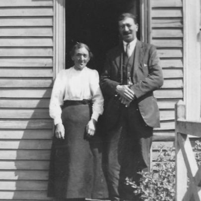Mr and Mrs Dedman outside their cottage in Chase Lane (aka Brickhouse Lane) | Joyce Cowell