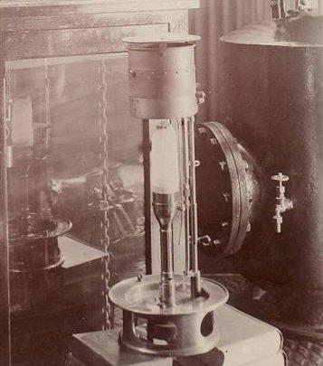 Postcard dated c1909-1910 showing the occulting clock in the Chapman Lighthouse | Jon Swinn