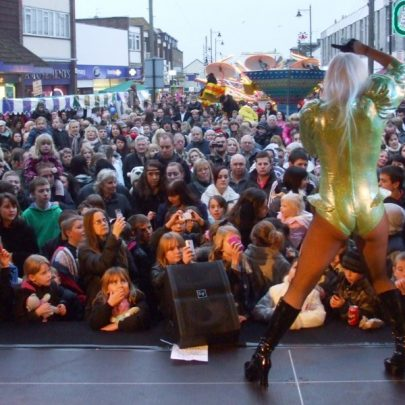 Lady Gaga Tributer entertaining thousands who flocked to the town centre | Tom Jea