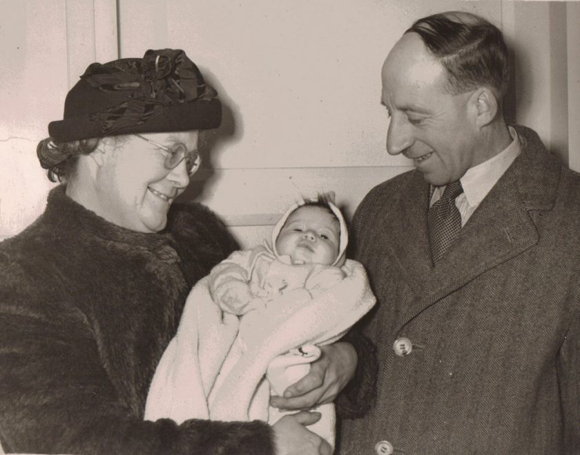 Mr & Mrs Charles Stevens with their granddaughter, Linda Foster the 'Miracle Baby' of Canvey Island at Southend General Hospital | Keystone Photo