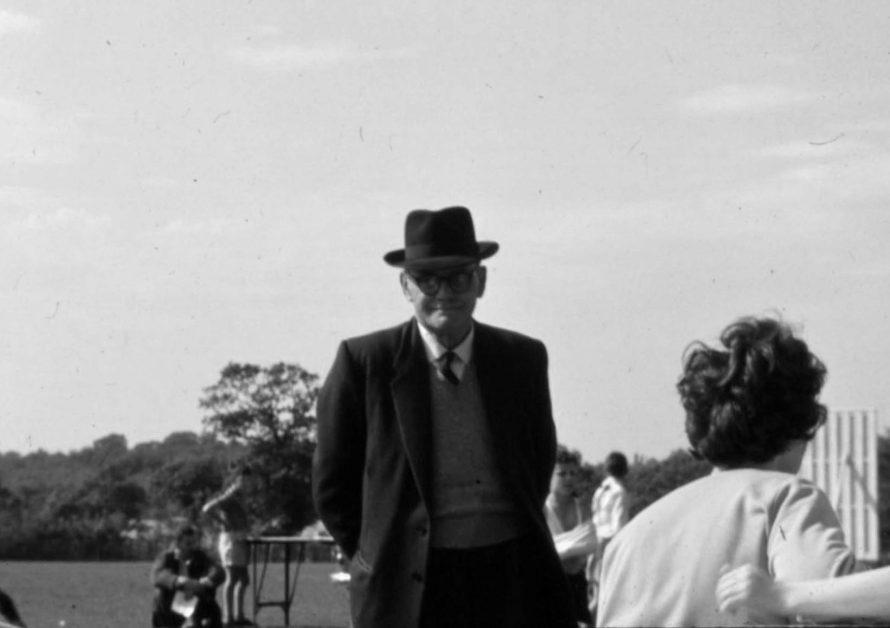 Mr.Bloxham. | Ian Hawks.