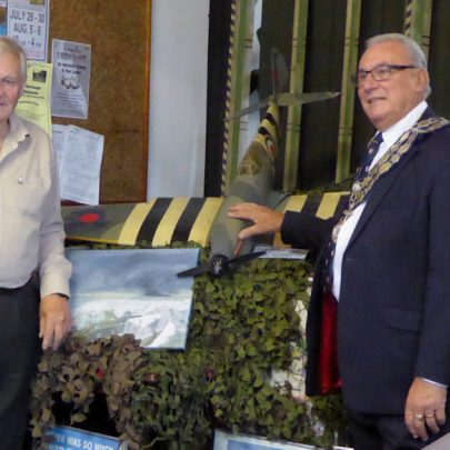 Mayor Brian Wood with David Thorndike | Janet Penn