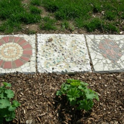 Mosaics designed by Canvey children featured at Bumblebee Park | Janet Penn