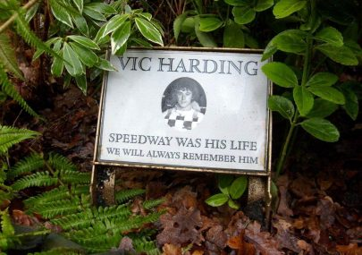 Vic Harding Memorial Plaque