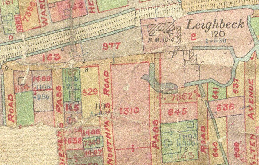 Map of area 1910. Marked 167 - Estowe, 165 - Avondale Villa.