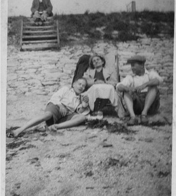 'George with parents. Canvey Island'