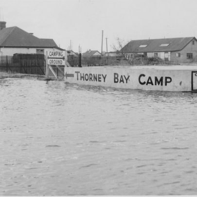 Craven Avenue leading to Thorney Bay Camp.