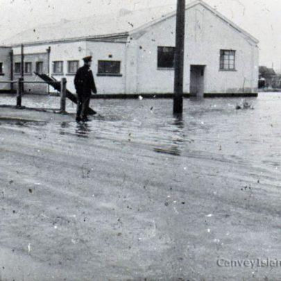 War Memorial Hall under water | Norman Chisman