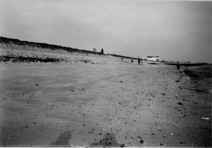 Canvey Beach looking East towards the Labworth | Ernest Cutler