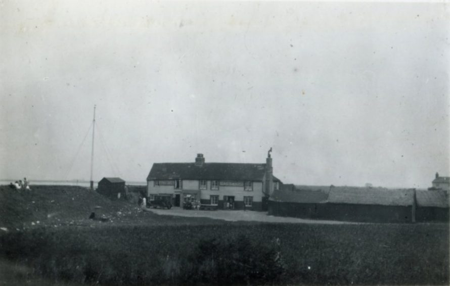 Taken from further away and showing Sluice Farm on the right   Henry Clubb