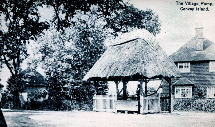 An early picture showing the Dutch Cottage, Haven Road